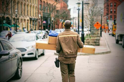 Delivery-KSQgzzn3dW0-unsplash