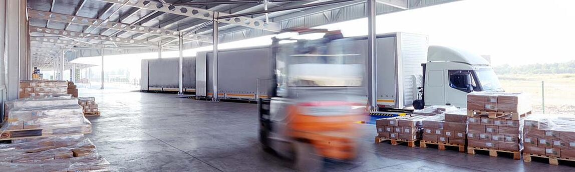 shipping_warehouse_in_motion_1200px.jpg